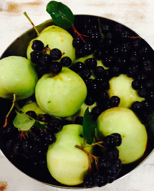 Aronia and apples