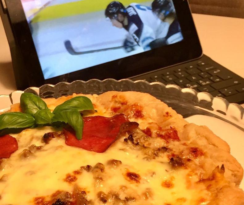 pizza 2.0 jääkiekkoa ja pizzaa