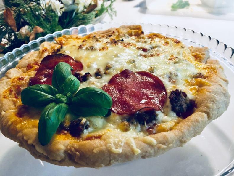 pizza 2.0 uunista ulos ja tarjottimelle